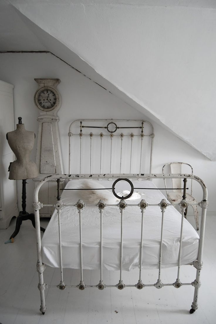 the beauty of an antique iron bed frame