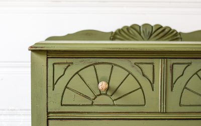 6 Gorgeous Makeovers: Inspiration for Green Painted Furniture